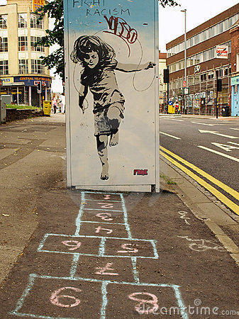 street-graffiti-girl-playing-hopscotch-15763796